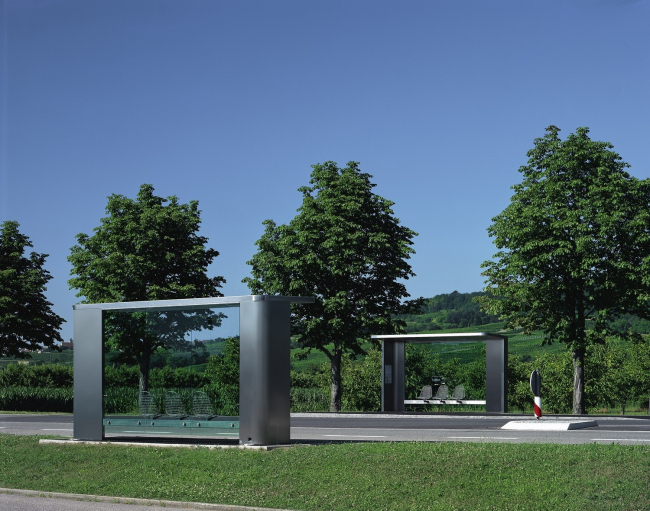Автобусные остановки на кампусе Vitra. Дизайнер Джаспер Моррисон. Фото: Marc Eggimann © Vitra (www.vitra.com)