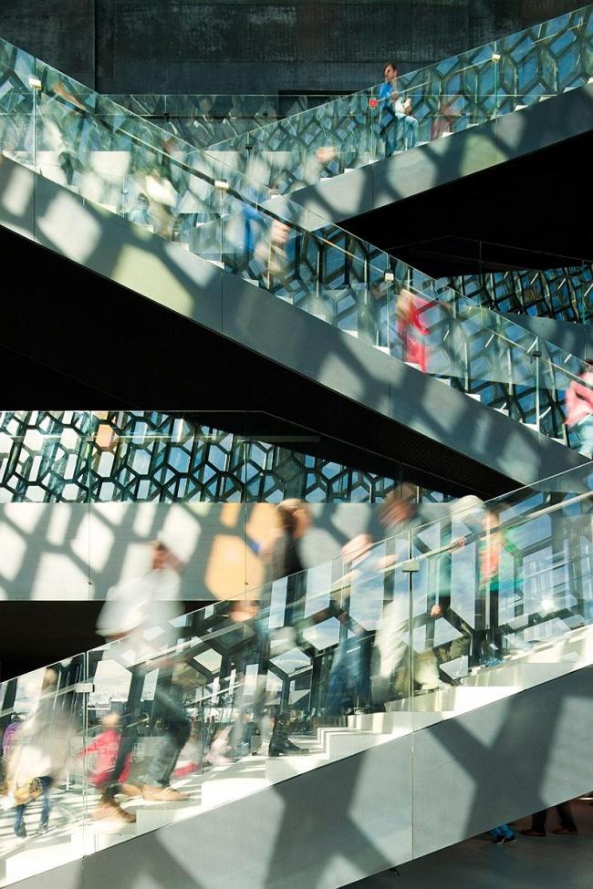 Конгресс-центр и концертный зал Harpa © Nic Lehoux