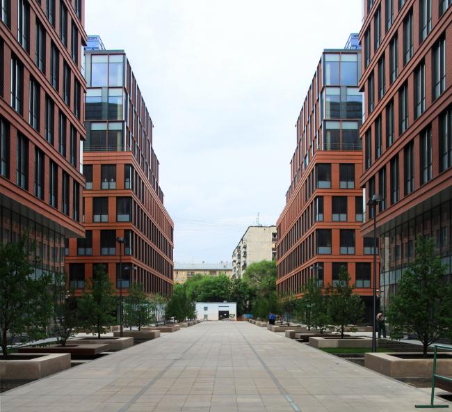 «Алкон-плаза». Проект ADM architects, 1 очередь. Вид на северо-восток. Реализация, 2013. Фотография © Юлия Тарабарина