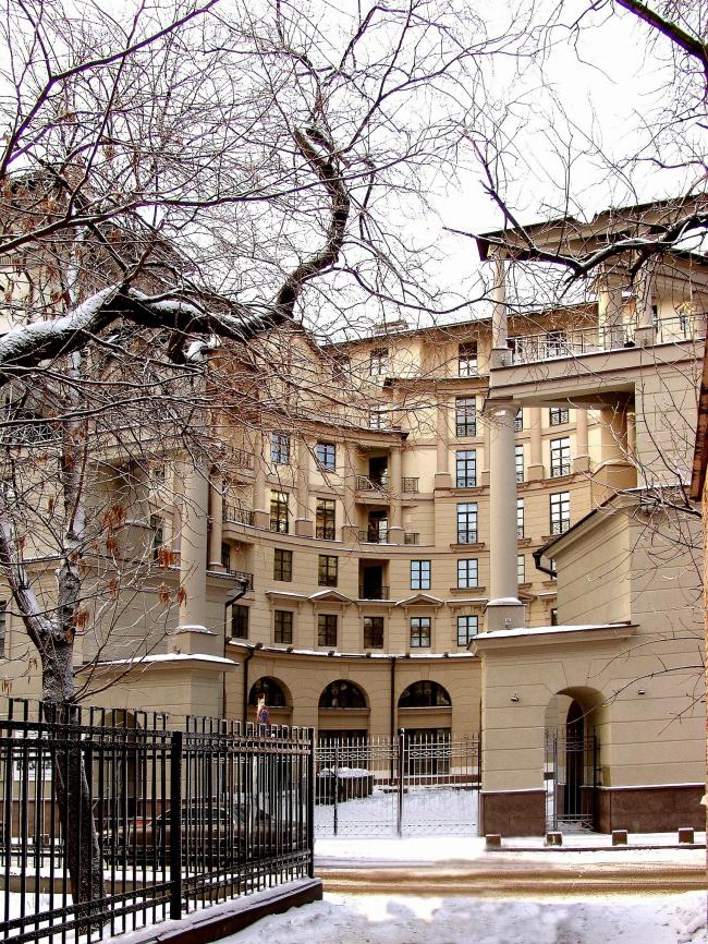 Римский дом, 2005, Москва. Мастерская Михаила Филиппова. © www.archi.ru
