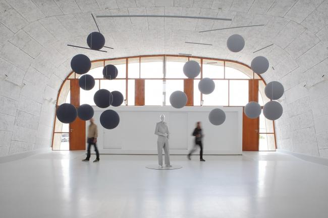Кcавье Вейан. Мобиль (Ле Корбюзье) © diane arques; © Veilhan / ADAGP, Paris, 2013 / © Fondation Le Corbusier / ADAGP, Paris, 2013