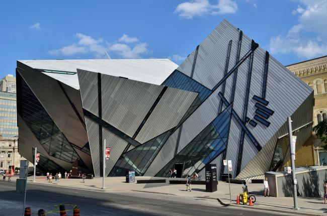 Кристалл - Крыло Майкла Ли-Чина Королевского Музея Онтарио. Фото: Open Grid Scheduler via flickr.com. Фото находится в общественном доступе
