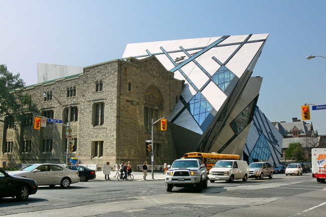 Кристалл - Крыло Майкла Ли-Чина Королевского Музея Онтарио. Фото: Gisling via Wikimedia Commons. Лицензия CC BY-SA 3.0