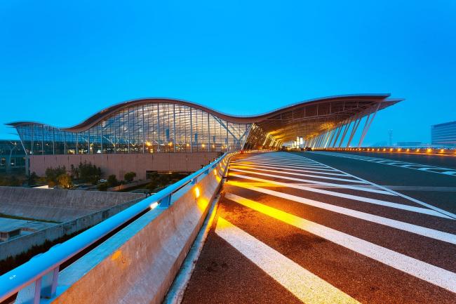 Шанхай Пудун Международный аэропорт. Терминал 2. Фото: specialtouchbookbinding.com