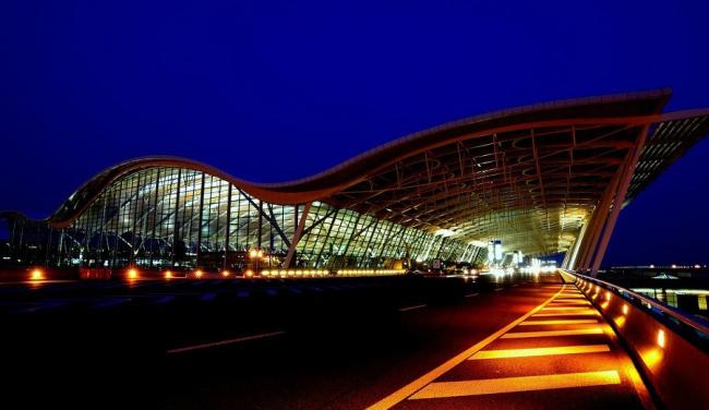 Шанхай Пудун Международный аэропорт. Терминал 2. Фото: www.360doc.com
