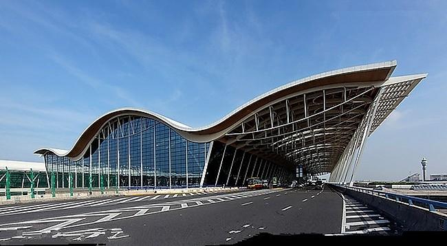 Шанхай Пудун Международный аэропорт. Терминал 2. Фото: en.sypglass.com