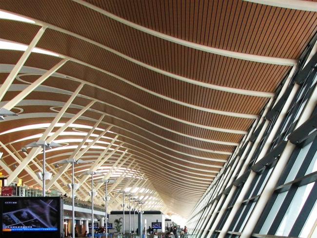 Шанхай Пудун Международный аэропорт. Терминал 2. Фото: www.ecadi.com