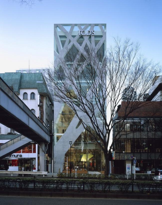 Магазин TOD'S Omotesando в Токио. 2004. Фото Nacasa & Partners Inc.