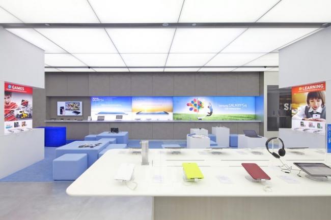 Магазин Samsung Experience © Philippe Ruault