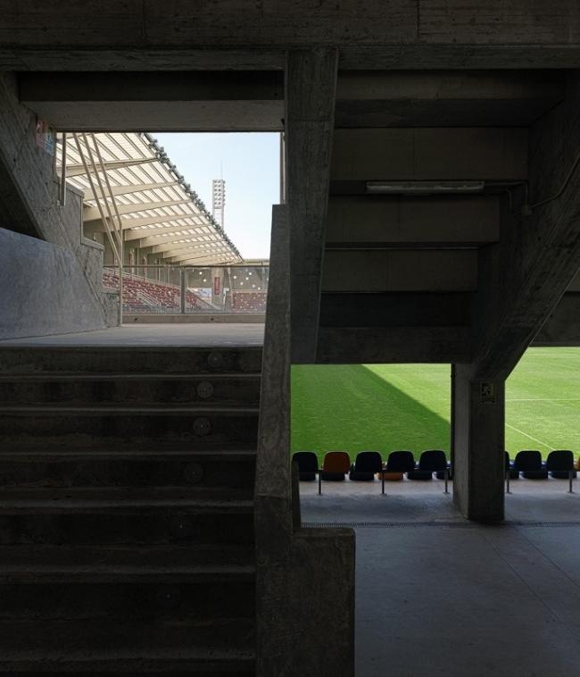 Футбольный стадион Pasarón © Héctor Santos-Díez
