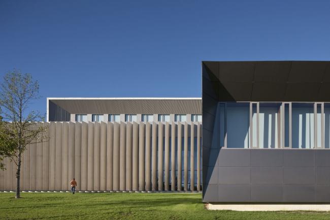 Корпус экономического факультета и магистратуры Университета Наварры © Jose Manuel Cutillas
