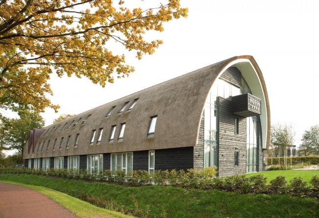 Отель De Roode Schuur. Фото: www.archello.com