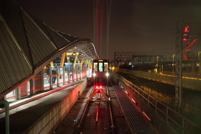 Станция «Стрэтфорд» легкой железной дороги. Фото: Tom Page via flickr.com. Лицензия CC BY-SA 2.0