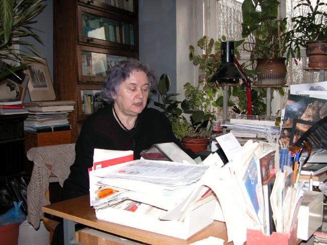 Тамара Ивановна Гейдор в отделе Истории архитектуры России Музея архитектуры. Фото © Алексей Комлев