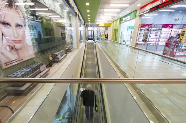Интерьеры торгового центра «Маяк» в Дубне © UNK project