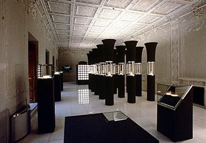 Ханс Холляйн. Музей стекла и керамики в Тегеране