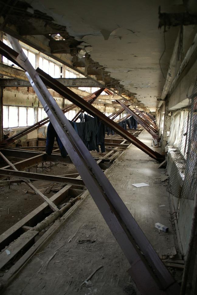 Спальный блок без перекрытий и прошитый спицами. Фотография А.Яковлева, 2007