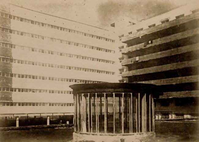 Дом-коммуна, вид с крыши общественного блока. Архивная фотография. Предоставлена Е. Шорбан