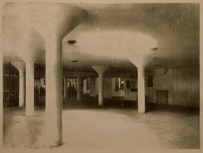 Дом-коммуна, интерьер 1 этажа общественного блока. Архивная фотография. Предоставлена Е. Шорбан