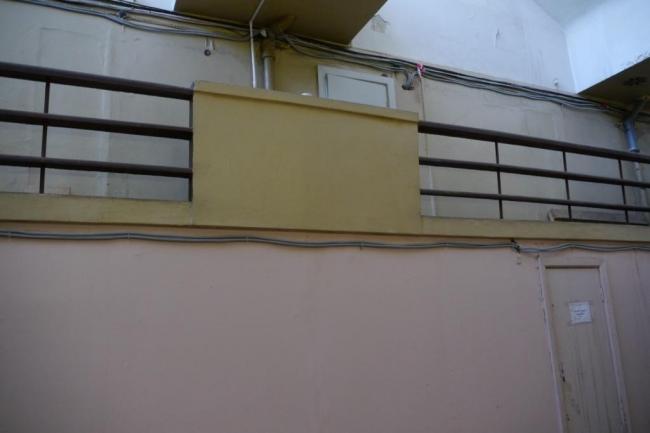 Общественный блок, ограждение балкона библиотеки. Фотография Е.Шорбан, 2013