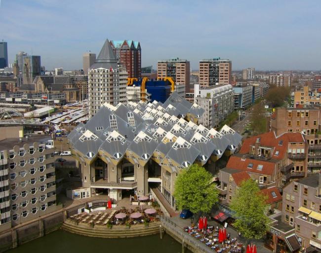 Пит Блом. «Кубические дома» в Роттердаме. Фото: Hanselpedia via Wikimedia Commons