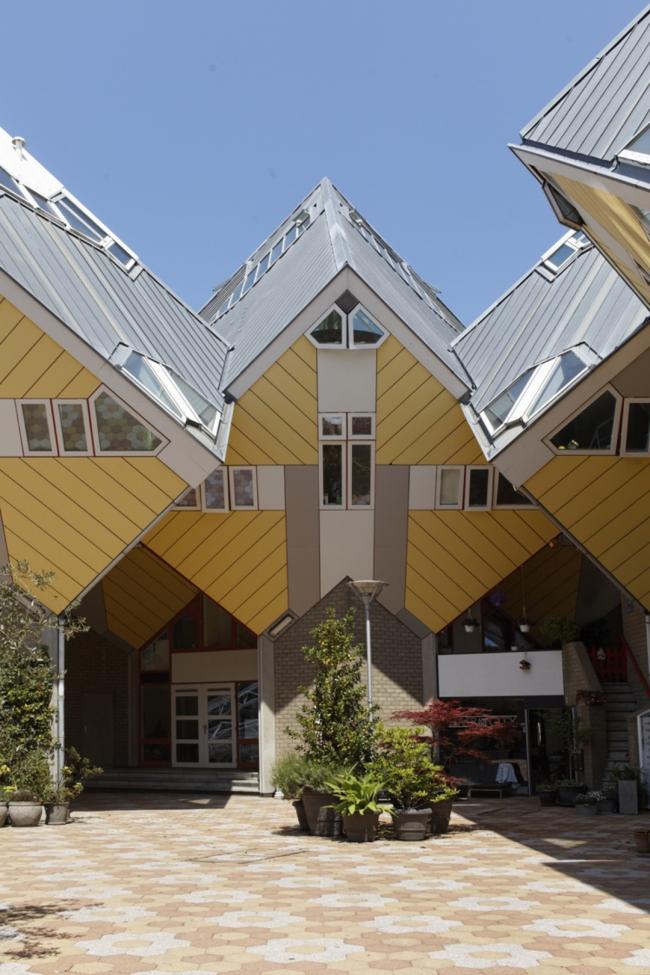 Пит Блом. «Кубические дома» в Роттердаме. Фото © René de Wit