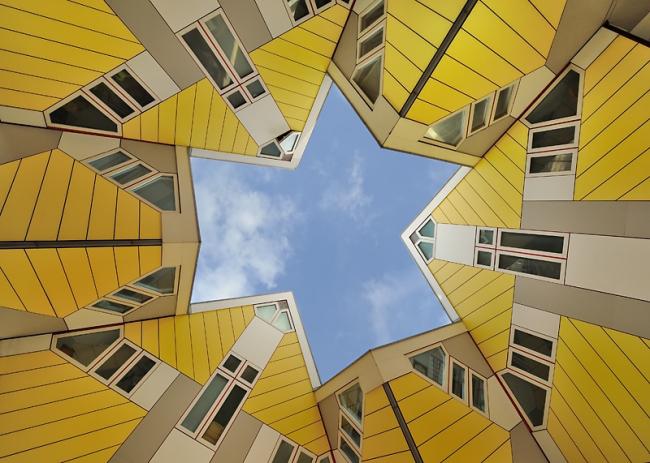 Пит Блом. «Кубические дома» в Роттердаме. Фото: Heush via Wikimedia Commons