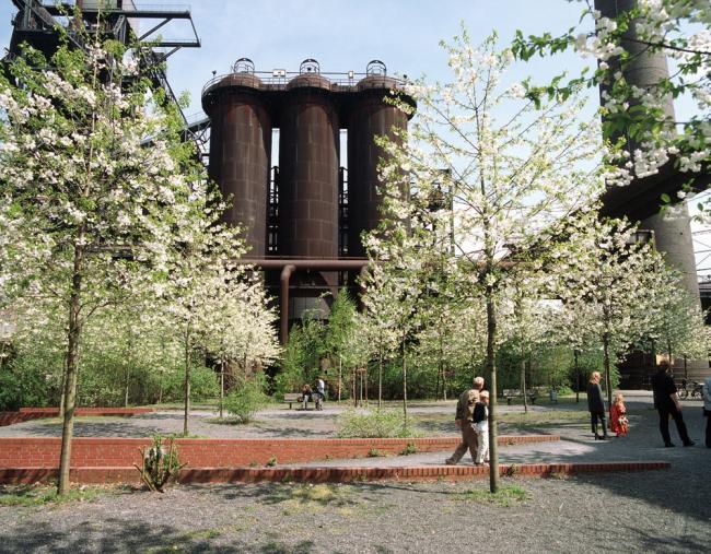 Ландшафтный парк «Дуйсбург-Норд». Latz + partner. Фото с сайта landezine.com