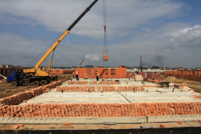 Этап строительства. Сентябрь 2013. Фото с сайта www.p-cambridge.ru