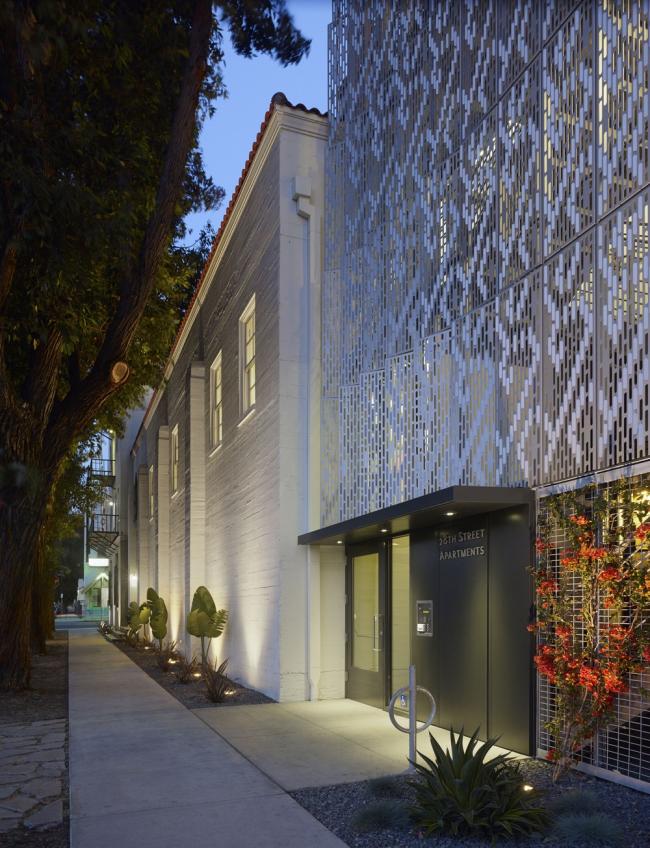 «Жилье». ЖК 28th Street Apartments в Лос-Анджелесе бюро Koning Eizenberg Architecture. Предоставлено WAF