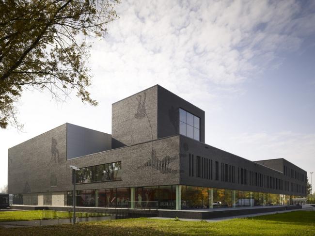 «Спорт». Спортивный колледж Fontys в Эйндховене бюро Mecanoo. Предоставлено WAF