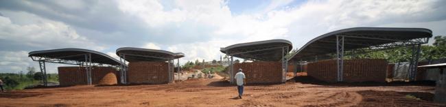 «Гражданские проекты и общество». Центр возможностей для женщин в Руанде бюро  Sharon Davis Design. Предоставлено WAF