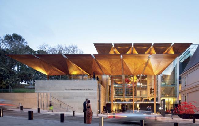 «Здание года» WAF-2013 и победитель в категории «Культура» – здание Художественной галереи Тои-о-Тамаки в Окленде бюро FJMT и Archimedia. Предоставлено WAF