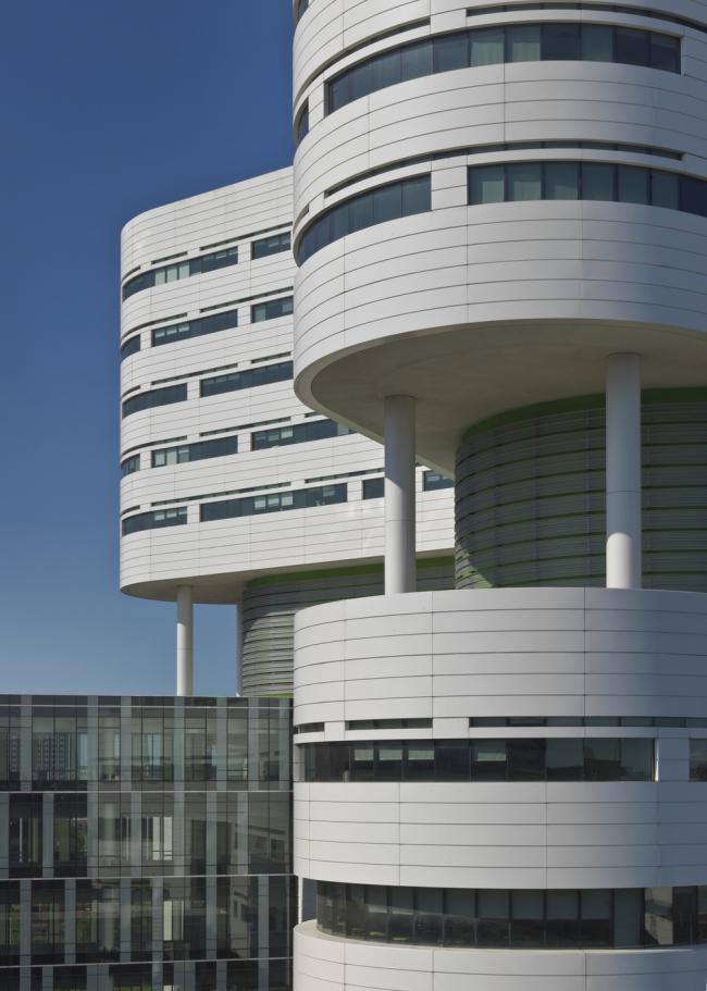 «Здоровье». Новая башня госпиталя медицинского центра Университета Раш в Чикаго бюро Perkins+Will. Предоставлено WAF