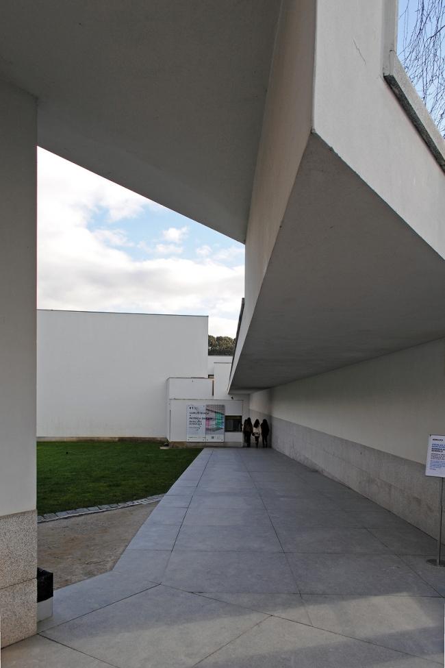 Музей современного искусства в Casa de Serralves в Порту. Фото © Надежда Щёма
