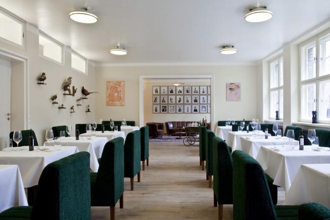 Бывшая еврейская школа для девочек - реконструкция. Ресторан The Kosher Classroom © Patricia Parinejad. Предоставлено Ehemalige Jüdische Mädchenschule