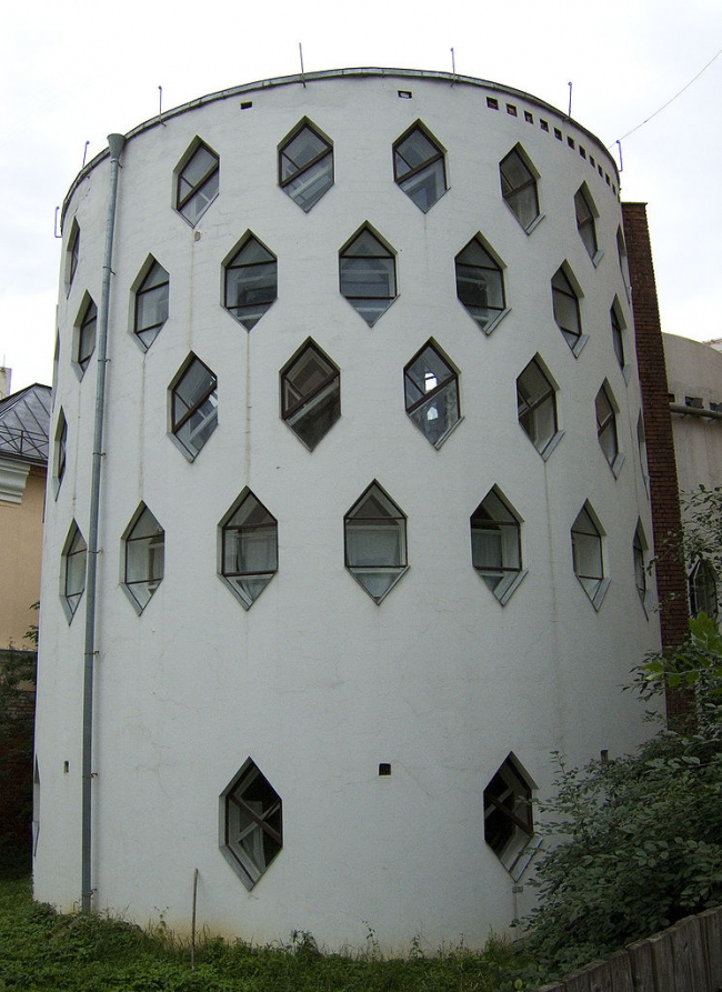 Дом Константина Мельникова в Москве. Фото: Sergei Arssenev, 2007 via Wikimedia Commons