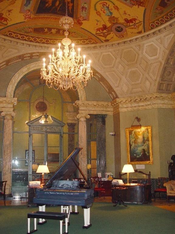 Зал «Ротонда» в Стейнвей-холле. Фото: Cramyourspam via Wikimedia Commons