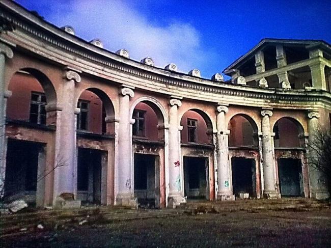 Евпатория. Санаторий «Октябрь», архитектор: В.Турчанинов, 1955 г. Фото Алексея Комова, 2012 г.