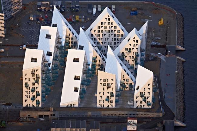 Жилой комплекс «Айсберг» © Julien de Smedt