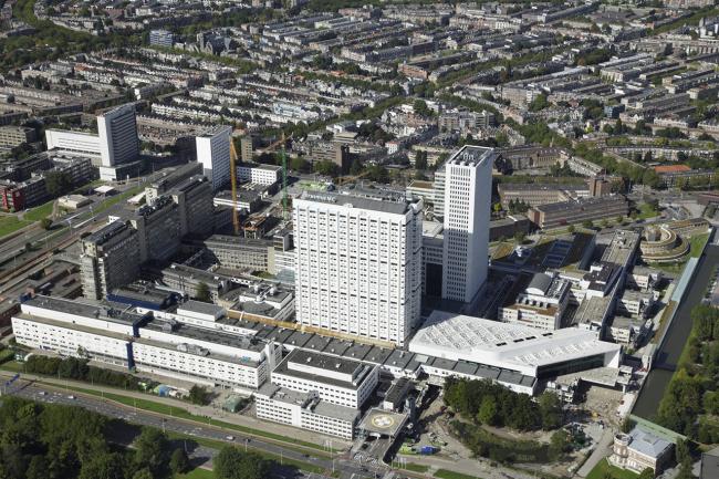Образовательный центр госпиталя Университета Эразма © Marco van Middelkoop