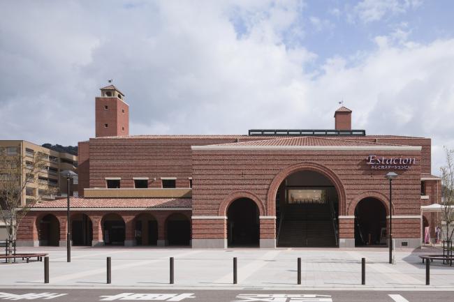 Железнодорожная станция университета Вакаяма. Фото предоставлено ЗАО «Фирма «КИРИЛЛ»