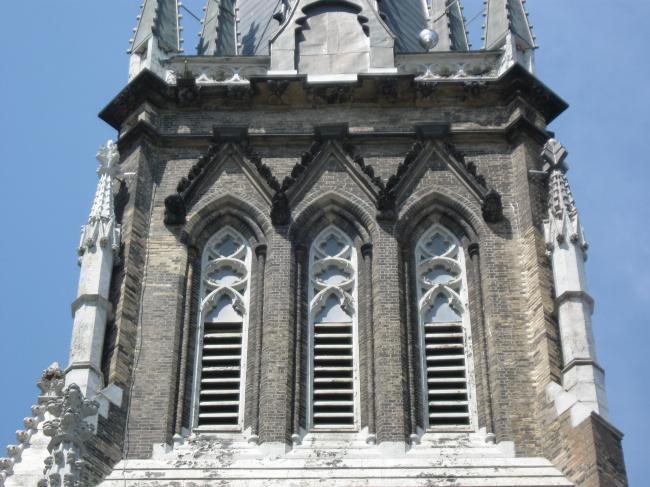 Собор Сент-Майкл – реставрация западного фасада и колокольни. Фото предоставлено ЗАО «Фирма «КИРИЛЛ»