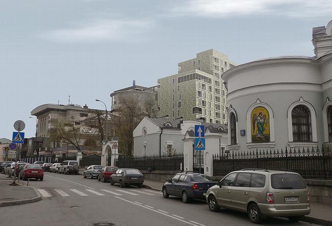 Встройка, вид от церкви Воздвижения на углу 1-го Труженикова пер. и 2-го Вражского пер.
