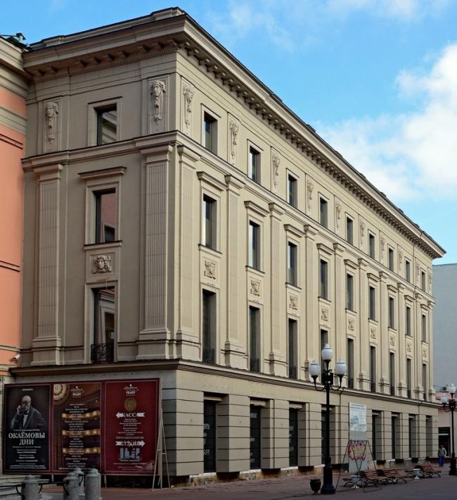 Административно-торговое здание на Арбате. Фотография с сайта ortost.ru