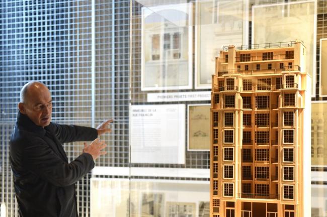 Рем Колхас на экспозиции «Огюст Перре. Восемь шедевров». Фото: Vittorio Zunino Celotto © Getty Images For Prada