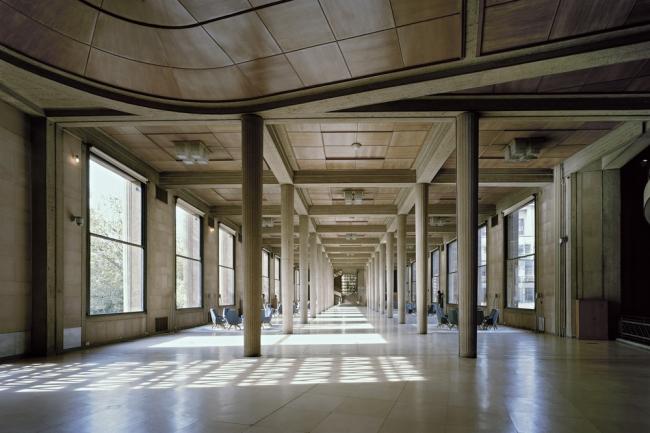 Йенский дворец в Париже. Гипостильный зал © Benoît Fougeirol