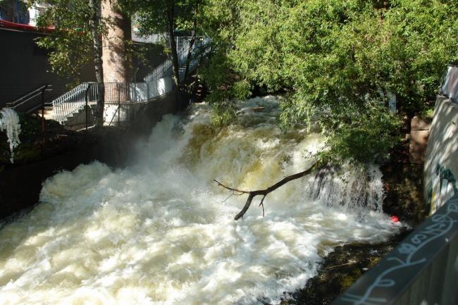 Нижний Водопад на реке Акерсэльва. Фото: Нина Фролова