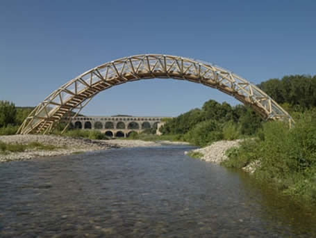 Мост через реку Гар © Shigeru Ban Architects