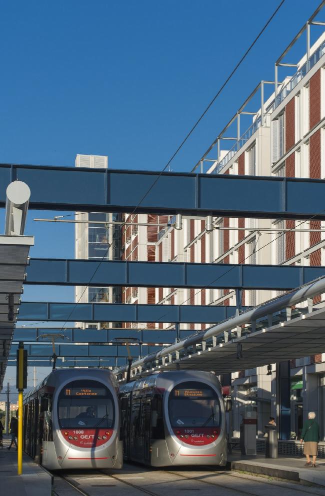 Новый общественный центр и станция скоростного трамвая © Alessandro Ciampi